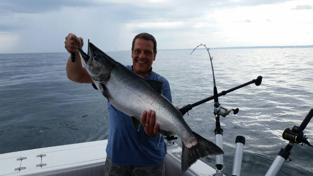 8 12 catch barnegat fishin 39 hole for Barnegat bay fishing
